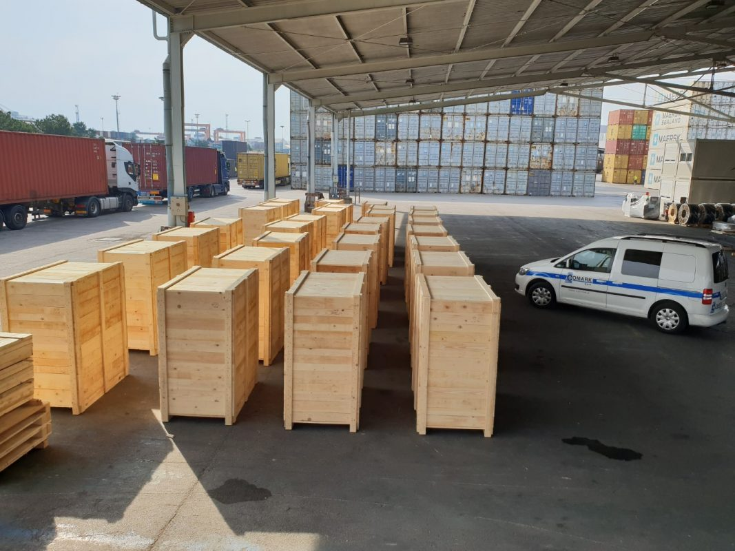 pakiranje tovora leseni zaboji luka koper comark
