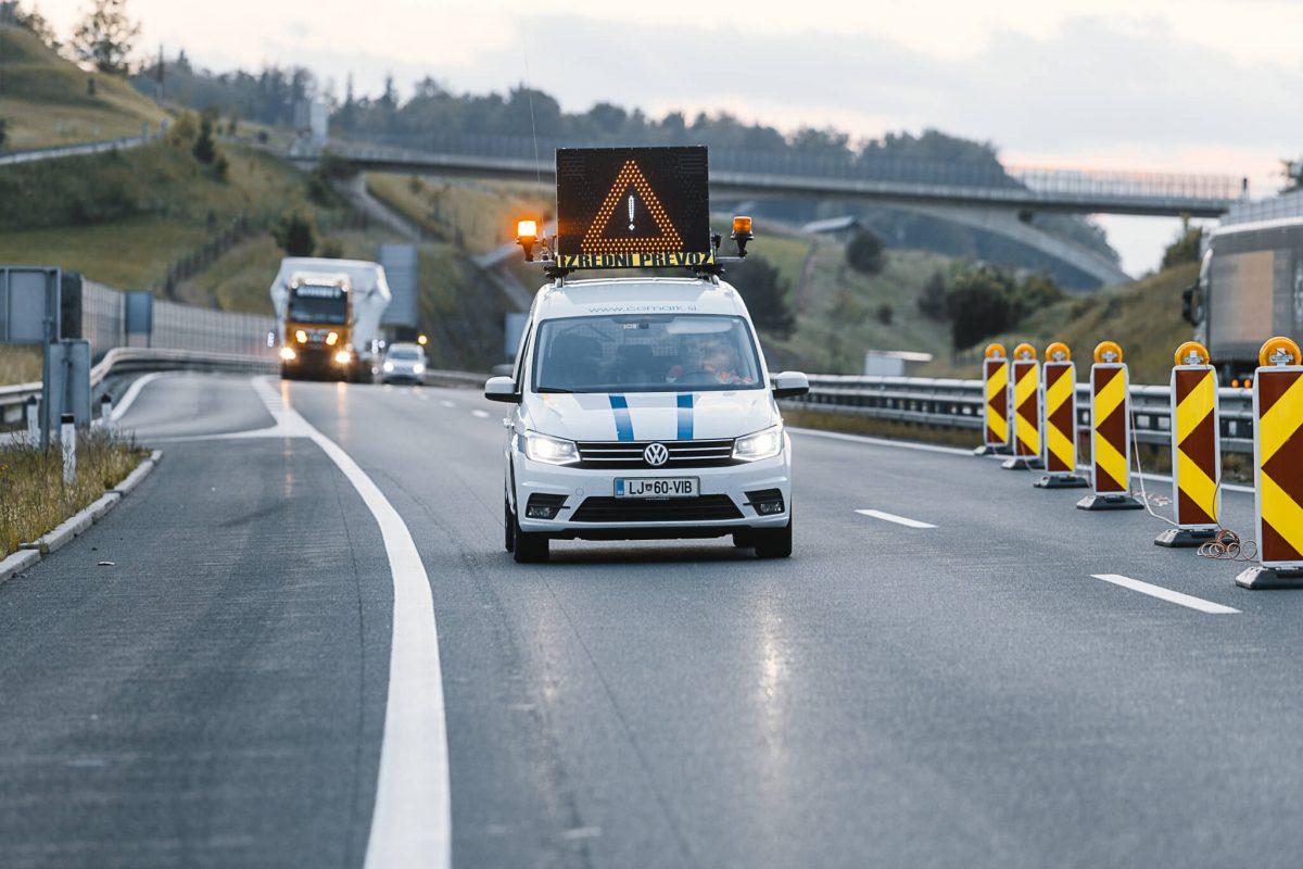 spremstvo izredni prevoz comark slovenija avtocesta delo na cesti