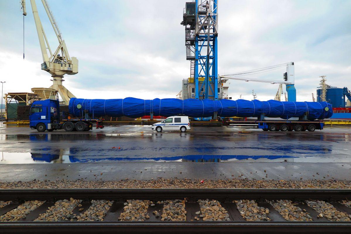 spremstvo izredni prevoz comark slovenija luka koper dolzina scaled