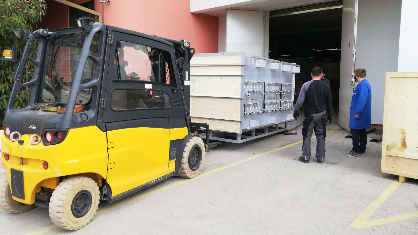 selitev opreme RAL comark slovenija demontaza montaza dvig breme