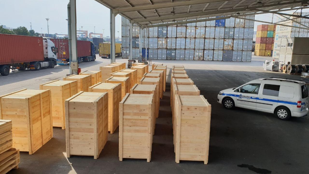 pakiranje tovora leseni zaboji luka koper comark 1