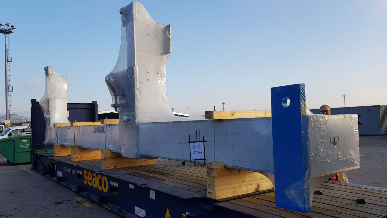 projektni tovor comark slovenija kontejner flatrack lashing