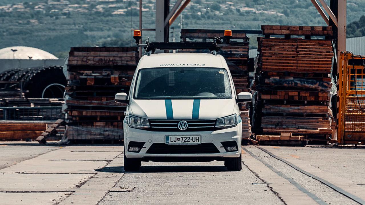 spremstvo izredni prevoz vozilo lucke luka koper slovenija comark escort permit